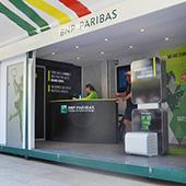 Stand-de-BNP-Paribas-lors-de-Roland-Garros2014mini